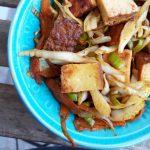 Dimljeni tofu sa povrćem u kari sosu