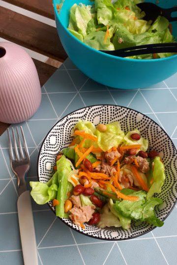 salata sa tunjevinom i kikirikijem