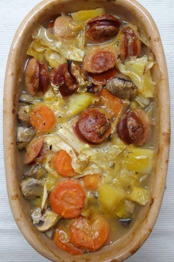 zapeceno povrce sa kobasicom