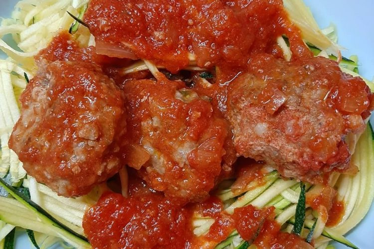 Brze ćufte u sosu od paradajza